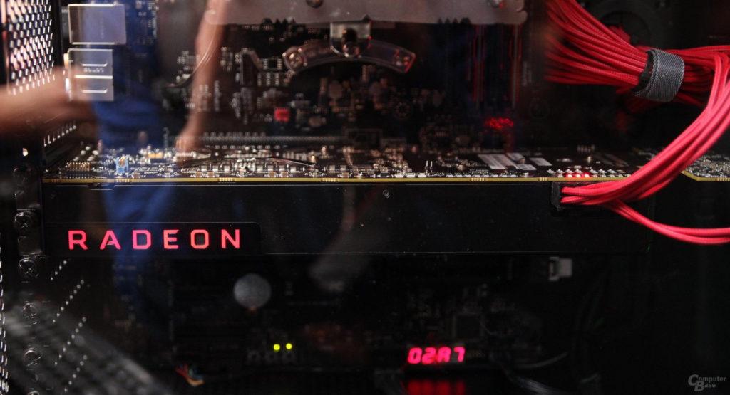 Фотография видеокарты AMD Radeon Vega